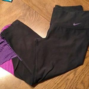 Nike Dri Fit Running Capri tights Small
